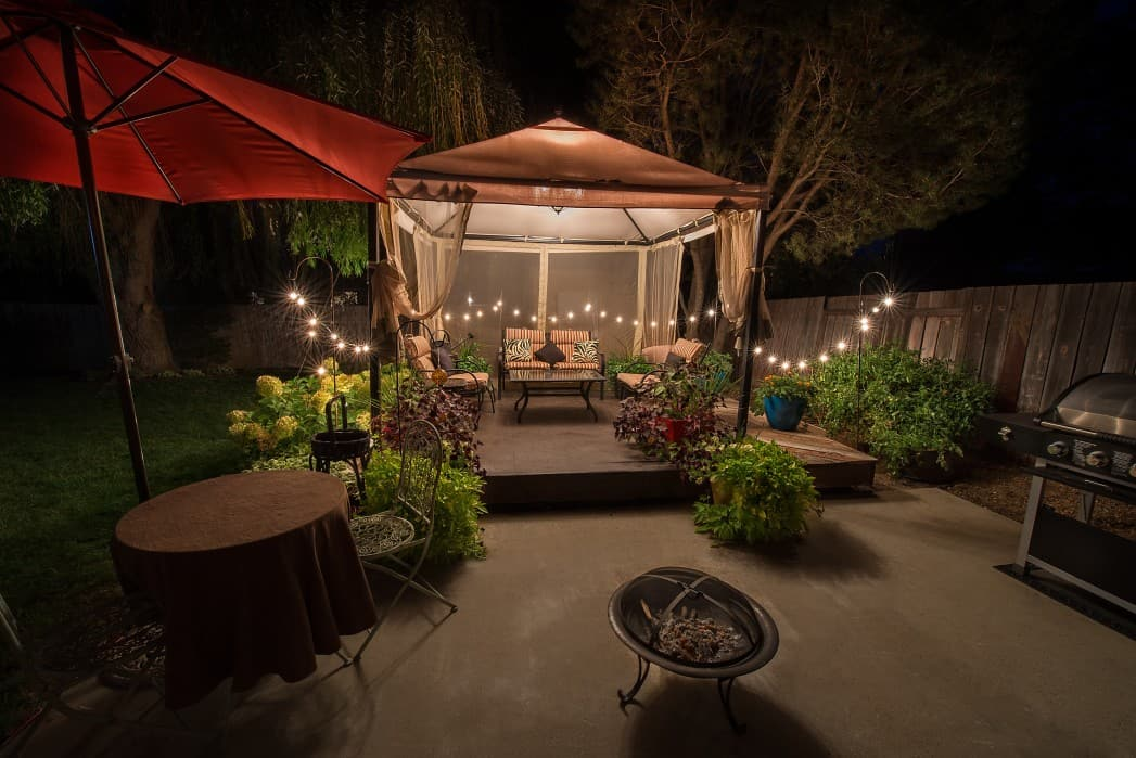 Spruce Up Your House This Spring With Outdoor Lighting